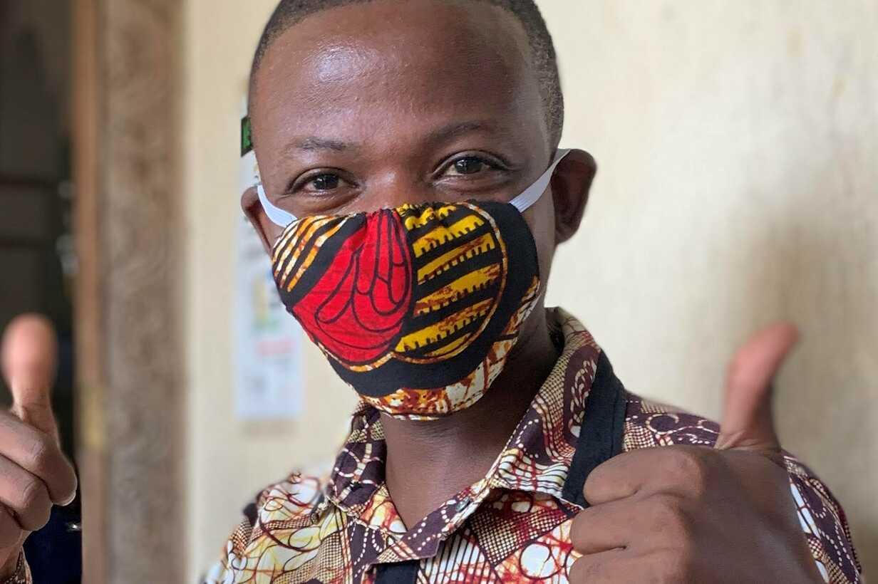 Faraja with mask - Cut