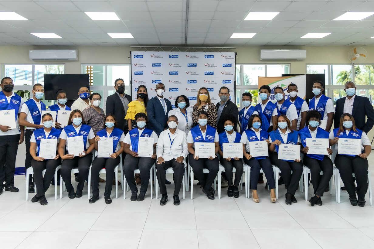 TUI Academy Dom Rep Graduation 2021-4